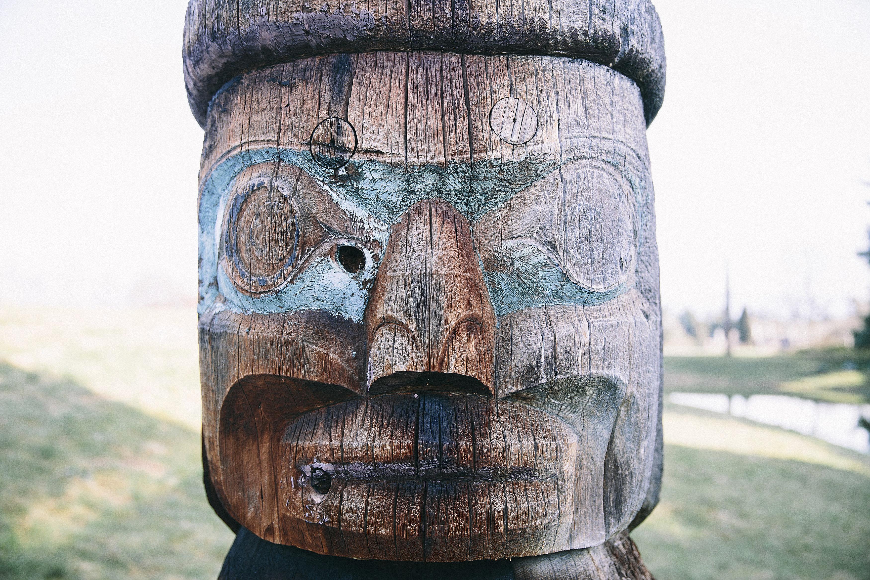 totem pole close-up