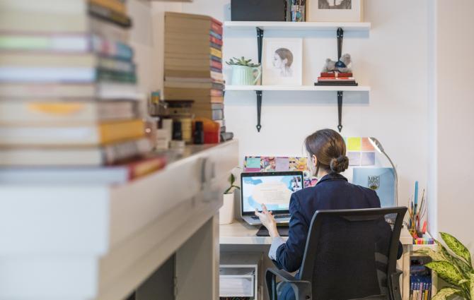 Student having a virtual meeting