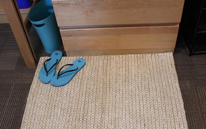 A natural fabric mat