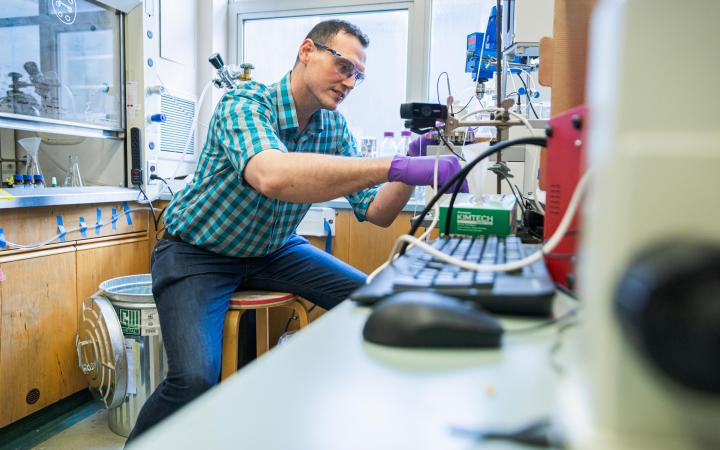 Prof Jason Hein in his lab at UBC Vancouver