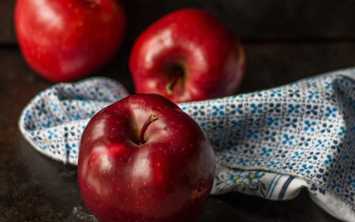 Lunch apples